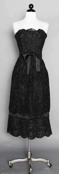 Pertegaz Lace Gown, Spain, 1950s. For upcoming vintage and antique fashion auction. #1950s #vintage