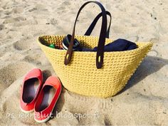 AS-kartelut: Virkattu rantakassi Straw Bag, Bags, Clothes, Fashion, Handbags, Outfits, Moda, Clothing, Fashion Styles