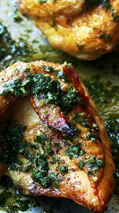 Crispiest Spring Chicken Roasted Chicken with Herb Sauce - Crisp on the outside, tender and juicy on the inside.Roasted Chicken with Herb Sauce - Crisp on the outside, tender and juicy on the inside. Turkey Recipes, Meat Recipes, Paleo Recipes, Cooking Recipes, Recipies, Good Food, Yummy Food, Tasty, Le Diner