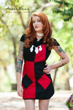 Grillain Villains, Handmade Aprons Inspired by Pop Culture Criminals Geek Fashion, Fashion Design, Mom Fashion, Mode Geek, Cute Aprons, Harley Quinn Cosplay, Shades Of Red, 50 Shades, Joker And Harley