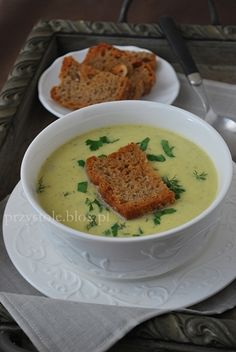 Łatwa zupa cukiniowa z 3 składników (cukinia, cebula i śmietanka kremówka)