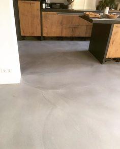M2 Conplanato #floor #vloer #vloeren #flooring #betonlook #beton #gietvloer #cement #m2 #m2vloeren #industrie #industrialdesign #industrial…