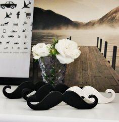 """Neu bei uns im Shop.   Das momentan absolute Dekohighlight.   Der Schnurrbart oder ganz stylish """" Moustache """"  Pefekt als Tischdeko oder für ..."""