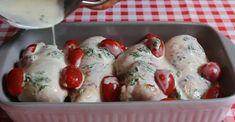 Piept de pui în sos cremos la cuptor – trebuie să încercați acest deliciu! - Retete-Usoare.eu Romanian Food, Sushi, Mozzarella, Ethnic Recipes