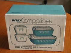 NEW IN BOX VINTAGE PYREX REFRIGERATOR SET 4 pc w/lids SNOWFLAKE BLUE 500-2 MINT #PyrexCorning