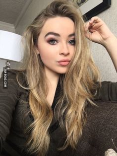 Sabrina Carpenter Looking So Pretty via u wanna like me plz tag ur loving one. Do u agree with me I'm Pretty Share my photo. Blonde Makeup, Hair Makeup, Blonde Hair, Sabrina Carpenter, Girl Meets World, Pretty People, Beautiful People, Woman Crush, Belle Photo