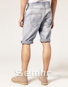 Guys - these summer acid wash/light wash summer denim shorts are just in. I know you'll think they're cool, summer, festival wear but they suck. Purleese don't be tempted to buy them - it's pointless we won't let you wear them. Big Baby, How Big Is Baby, Summer Denim, Festival Wear, Yup, Denim Shorts, Men's Fashion, Celebrities, My Style