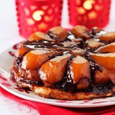 Découvrez la recette Tarte tatin poires chocolat sur cuisineactuelle.fr.