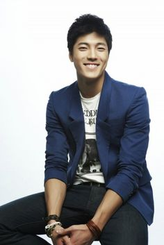 photo is from here Asian Actors, Korean Actors, Asian Celebrities, Lee Jae Yoon, Kdrama, Suit Jacket, Blazer, Cute, Men