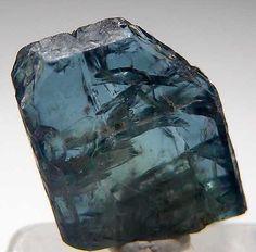 "Alexandrite from Lake Manyara, Tanzania [db_pics/pics/af815a.jpg].   ""Single untwinned Alexandrite, gemmy with good crystal form."""