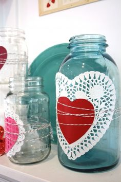 Usefull Jars. This is so easy and simple. It can serve for any special events. I could see this as place markers/gift( u put something inside)