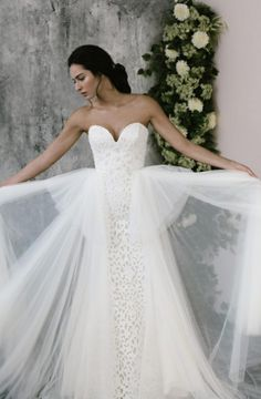 Discover our favourite tulle bridal gowns from Australian bridal designers including Madi Lane Bridal, Amaline Vitale and Chosen by One Day. Fit And Flare Wedding Dress, Elegant Wedding Dress, Wedding Dress Styles, Ball Gown Dresses, Bridal Dresses, Tulle Gown, Princess Bridal, Princess Wedding Dresses, Short Wedding Gowns