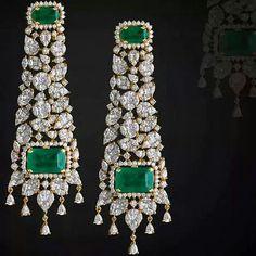 #emeraldsanddiamonds from the #adornologist  #wantneeddesirecovet #diamondology…