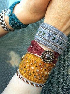 Knitting pattern by Sivia Harding Textile Jewelry, Fabric Jewelry, Beaded Jewelry, Knitted Jewelry, Diy Jewelry, Metal Jewelry, Jewelry Necklaces, Bullet Jewelry, Fabric Beads