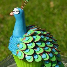 Peacock cupcake!(: