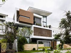 Modern home design Modern House Facades, Modern Architecture House, Residential Architecture, Bungalow House Design, House Front Design, Modern House Design, Villa Design, Facade Design, Dream House Exterior