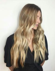 The Difference Between Ombre and Balayage - Style Lounge Salon Purple Balayage, Hair Color Balayage, Blonde Balayage, Ombre Hair, Purple Grey Hair, Silver Grey Hair, Icey Blonde, Dimensional Hair Color, Mermaid Hair