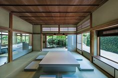 Schemata Architects, headed by Jo Nagasaka, has converted a traditional house in Kamakura, Japan, into an office featuring modern fitted furniture. Japanese Interior Design, Office Interior Design, Office Interiors, Kamakura, Japan Design, Traditional Japanese House, Japanese Style, Architecture Office, Organic Architecture
