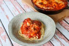 Kyllingekødboller Bagt I Tomatsauce Med Ost - God Til Pasta Cheddar, Mozzarella, Feta, Recipies, Spaghetti, Pizza, Snacks, Ethnic Recipes, Drinks