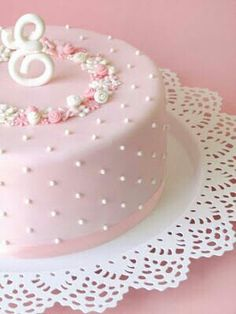 A pretty pink cake Gorgeous Cakes, Pretty Cakes, Cute Cakes, Amazing Cakes, Fondant Cakes, Cupcake Cakes, Sweets Cake, Baby Shower Cake Sayings, Rodjendanske Torte