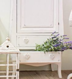 Bizzotto Homemotion | Accessori per la casa su Dalani Home Living, Shabby Chic, Vanity, Furniture, Home Decor, Dressing Tables, Powder Room, Decoration Home, Room Decor