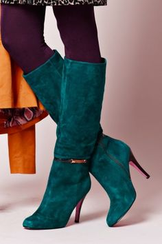 <3 <3 <3 80s Vintage style Classy high heel laarzen petrol suede. / Honestly, I would be sooo depressed if  I didn't have feet!  Awesome boots.