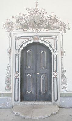Topkapi Palace door  -   Istanbul, Turkey  -  2006   -    Michael Rymer photography  -   https://www.flickr.com/photos/38037974@N00/414708339/in/set-72157594577248986