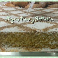 Coca boba de almendra,como la hacía la abuela #migaspanybolleria #delabuelo #alicantegram #Alicante #alicantephoto #alicante_city #cumpleaños #instalicante #igersspain #instafriends #panaderia #pan #cake #igersalicante