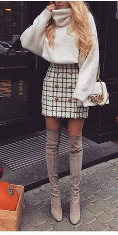 49 Simple and Classy Skirt Outfits for Winter During winter, there is a never en. - 49 Simple and Classy Skirt Outfits for Winter During winter, there is a never ending battle between - Winter Fashion Outfits, Fall Winter Outfits, Look Fashion, Spring Outfits, Womens Fashion, Winter Clothes, Fall Fashion, Winter Outfits With Skirts, Latest Fashion