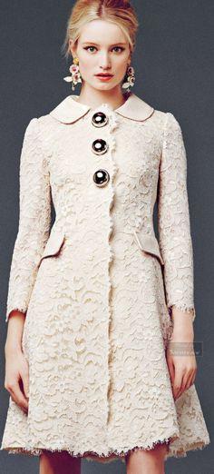 Dolce and Gabbana f/w 2014/2015 via Outerwear   Pinterest)