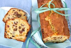 The Rich Fruit Cake is full of fruit flavours. And converts to a star-rated celebration cake by decorating the perimeter of the cake with blanched whole almonds before baking. Sweet Recipes, Cake Recipes, No Bake Slices, Greek Sweets, Small Cake, Food Cakes, Food Menu, Celebration Cakes, Yummy Cakes