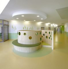 Great Hospitality design for a Children's Hospital! :: The Christian Children's Hospital Osnabrück (CKO), design by AEP Architekten Eggert Generalplaner. Medical Design, Healthcare Design, Café Design, Interior Design, Hospital Architecture, Kindergarten Design, Hospital Design, Clinic Design, Childrens Hospital