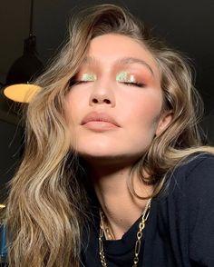 Makeup Trends, Makeup Tips, Makeup Ideas, Makeup Inspo, Makeup Tutorials, Makeup Goals, Makeup Products, Beauty Products, Holiday Makeup Looks