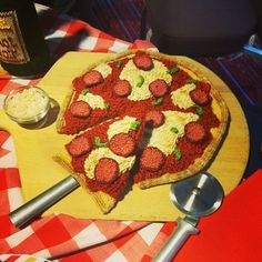 18 Things That Happen When Knitters Get Together    Knitted Pizza - I think…