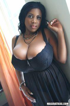 Sexy big tits black