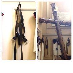 Citta della Pieve, Umbria Italy Pensate siano cinture di castità o sado-maso? No, servivano per portare la croce #altrasimeno foto di @giulianekorkina
