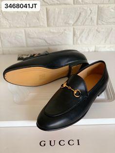 Gucci woman horsebit leather loafers jordaan shoes black Black Leather Shoes, Leather Loafers, Black Shoes, Gucci Shoes, Woman, Fashion, Moda, La Mode, Fasion