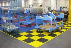 Industrielle Bodenbeläge aus schwimmend verlegten, hochwertigen PVC-Fliesen