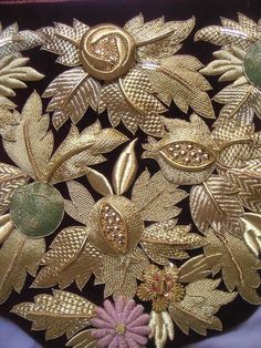 (+1) Старинная вышивка Jacobean Embroidery, Zardozi Embroidery, Tambour Embroidery, Hand Work Embroidery, Couture Embroidery, Embroidery Fabric, Embroidery Stitches, Embroidery Patterns, Crazy Quilting