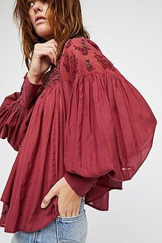 Browse Free People's wide selection of tops for women. Choose from these stylish and comfortable white lace tops, off the shoulder tops, and more! High Fashion Outfits, Indian Fashion Dresses, Boho Outfits, Boho Fashion, Fashion Trends, Bohemian Tops, Moda Boho, Designs For Dresses, Lace Tops