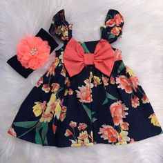 gran arco Vestido de mangas suaves florales Baby Dress Design, Baby Girl Dress Patterns, Baby Girl Dresses, Trendy Baby Clothes, Girls Fashion Clothes, Baby Kids Clothes, Cotton Frocks For Kids, Frocks For Girls, Little Girl Outfits