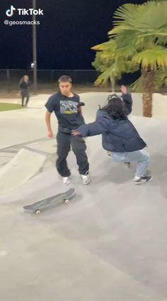 Beginner Skateboard, Skateboard Videos, Penny Skateboard, Skateboard Girl, Skater Kid, Skate Boy, Skate Videos, Cool Skateboards, Funny Videos For Kids