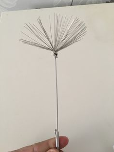 Dandelion Seed, fairy wish. To blow on a dandelion while making a wish carries your wish on the wind. Chicken Wire Sculpture, Wire Art Sculpture, Tree Sculpture, Outdoor Sculpture, Metal Art Projects, Metal Crafts, Chicken Wire Crafts, Fantasy Wire, Garden Wall Art