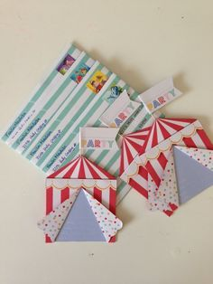 The little tent! Circus Theme Party, Carnival Birthday Parties, Circus Birthday, Birthday Invitations Kids, Birthday Cards, Hello Kitty Invitations, Carnival Themes, Baby Party, Crafty Craft