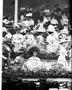 1908 - Look at the hats!