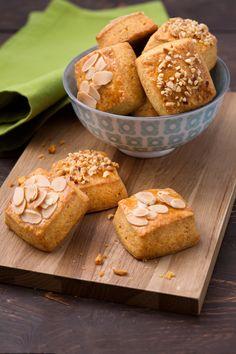 Biscotti alla paprika: bocconcini friabili e aromatici, grazie alla presenza della spezia che conferisce un sentore di delicata piccantezza e di affumicato. [Paprika cookies]
