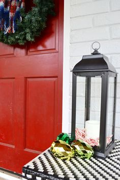 Spread Christmas joy with ready-to-give Lowe's Giftables. Take a cue from Beth of Design Post Interiors and gift the Patio Zen kit to warm up a backyard oasis.