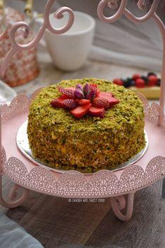 Pistachio Cake - Savory&SweetFood