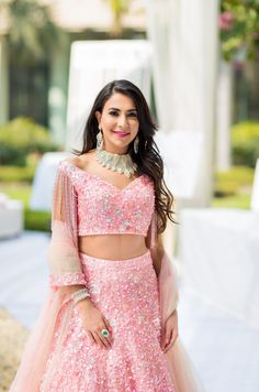 Check out beautiful contemporary style off shoulder blouse designs that you can wear with sarees and lehenga. Indian Bridal Outfits, Indian Designer Outfits, Indian Dresses, Designer Dresses, Bridal Dresses, Best Blouse Designs, Bridal Blouse Designs, Saree Blouse Designs, Blouse Styles