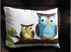 Cute style of owl - Larger tummy, and triangle connecting ears. Nursery Crafts, Owl Nursery, Owl Crafts, Quilting Projects, Sewing Projects, Owl Cushion, Felt Pillow, Crochet Cushions, Owl Patterns
